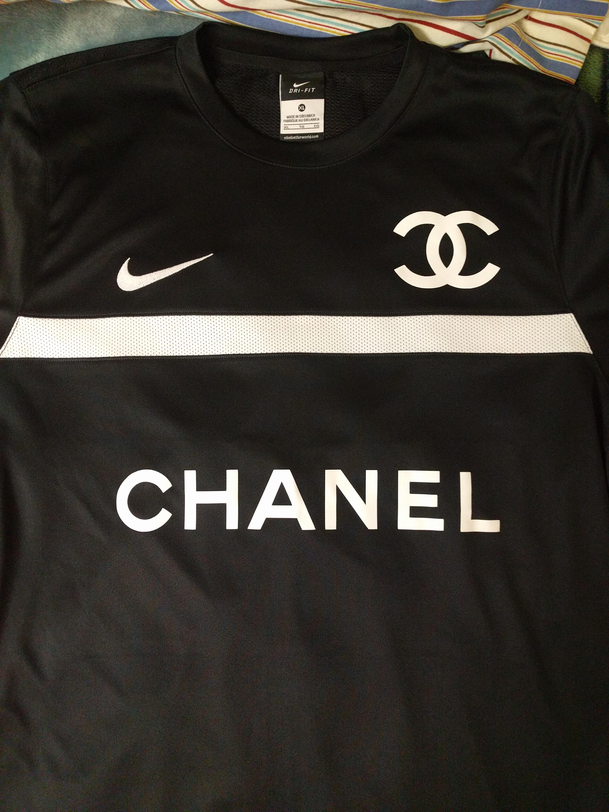 c95d2e87133 Chanel Soccer Jersey Nike - Nils Stucki Kieferorthopäde