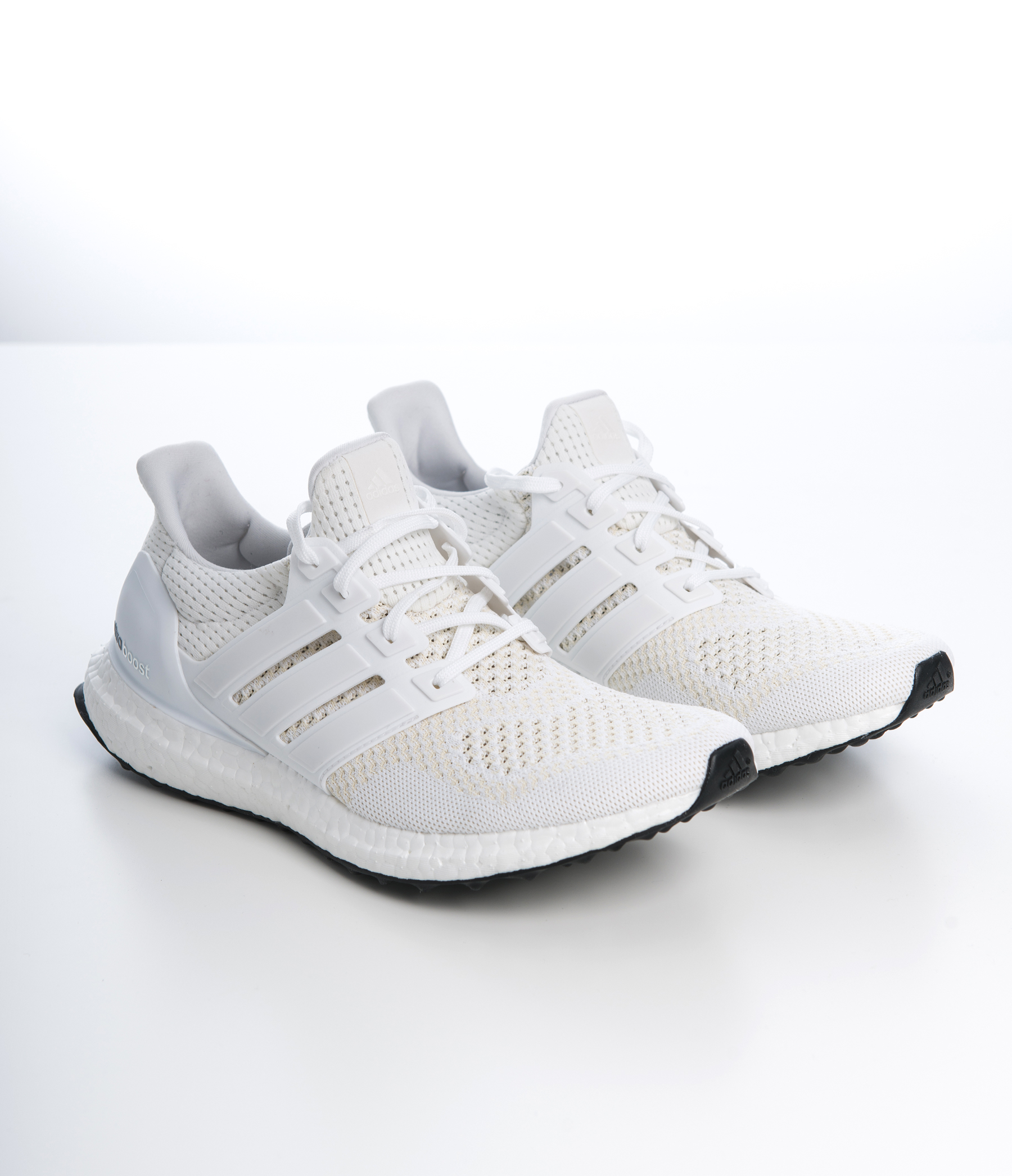 classic classic fit no sale tax Adidas Ultra Boost (White)