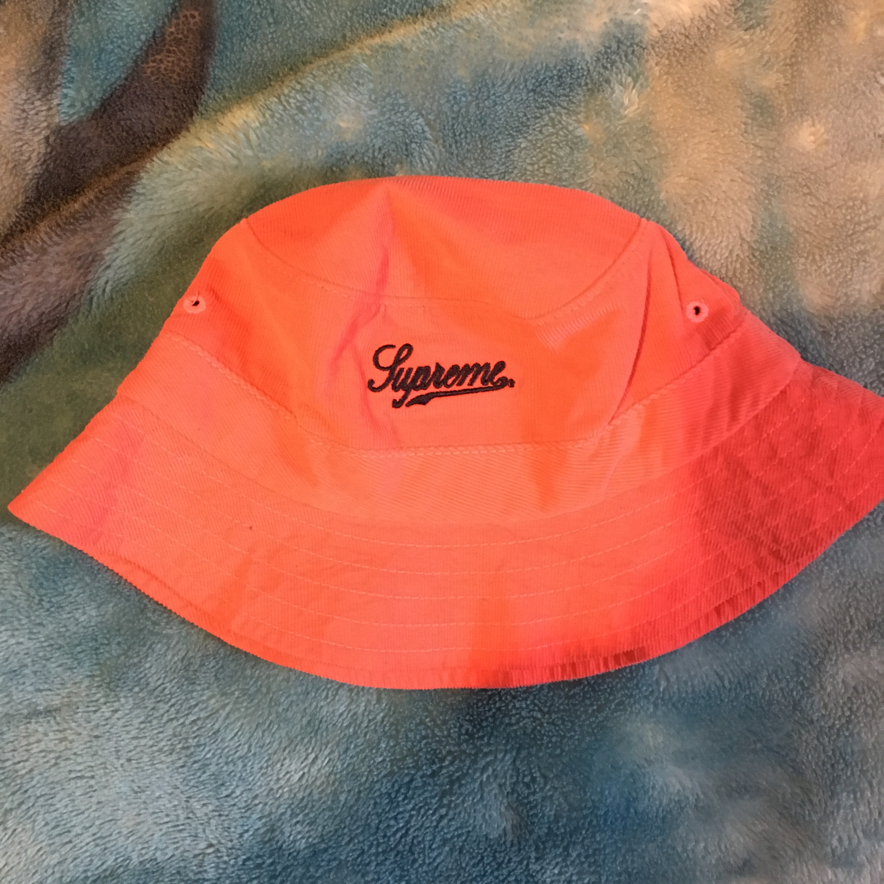 2a26c529a29 Supreme Supreme Bucket hat Size one size - Hats for Sale - Grailed