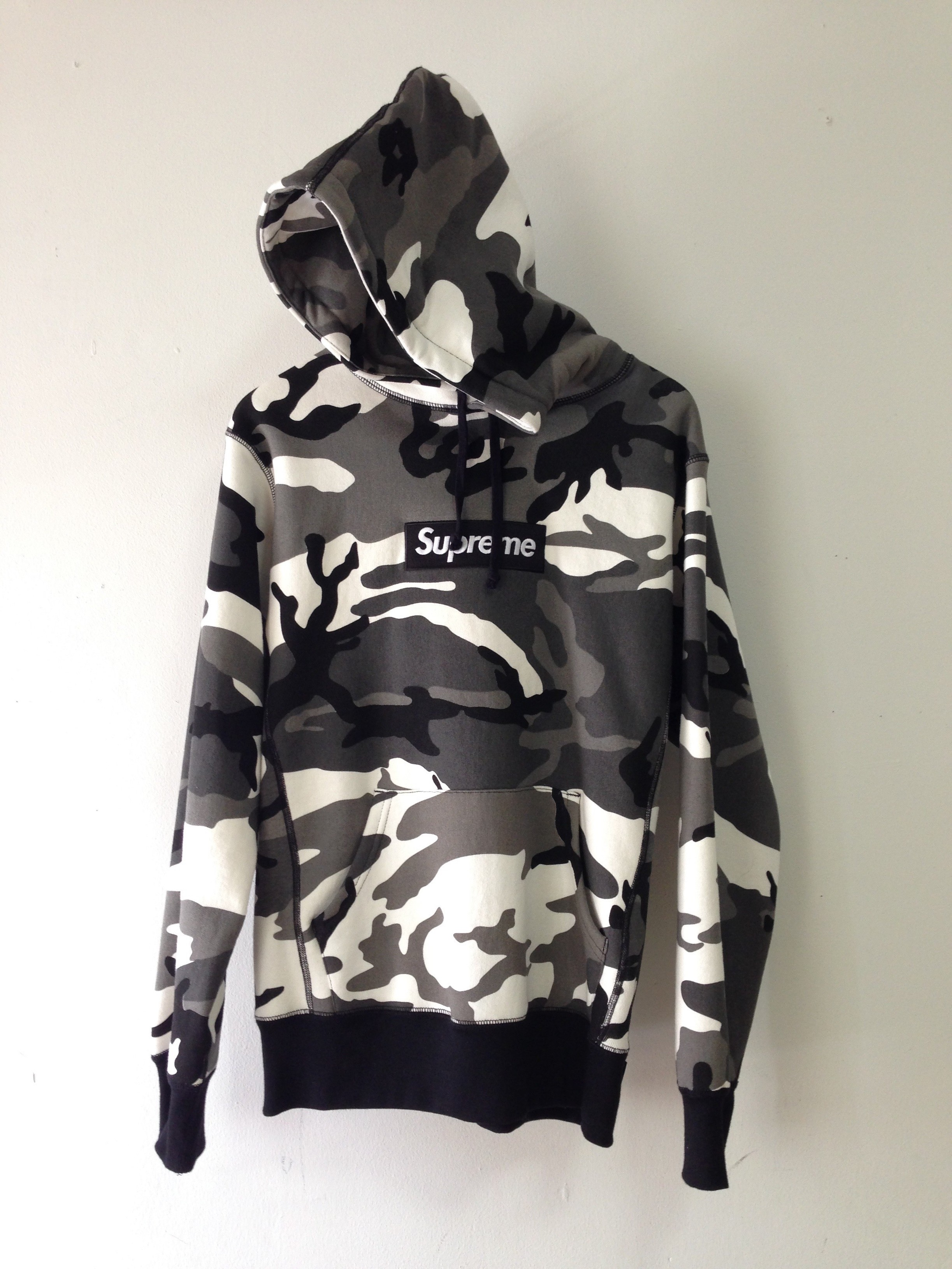5e74ec742a08 Supreme Snow camo box logo hoodie Size m - Sweatshirts   Hoodies for ...