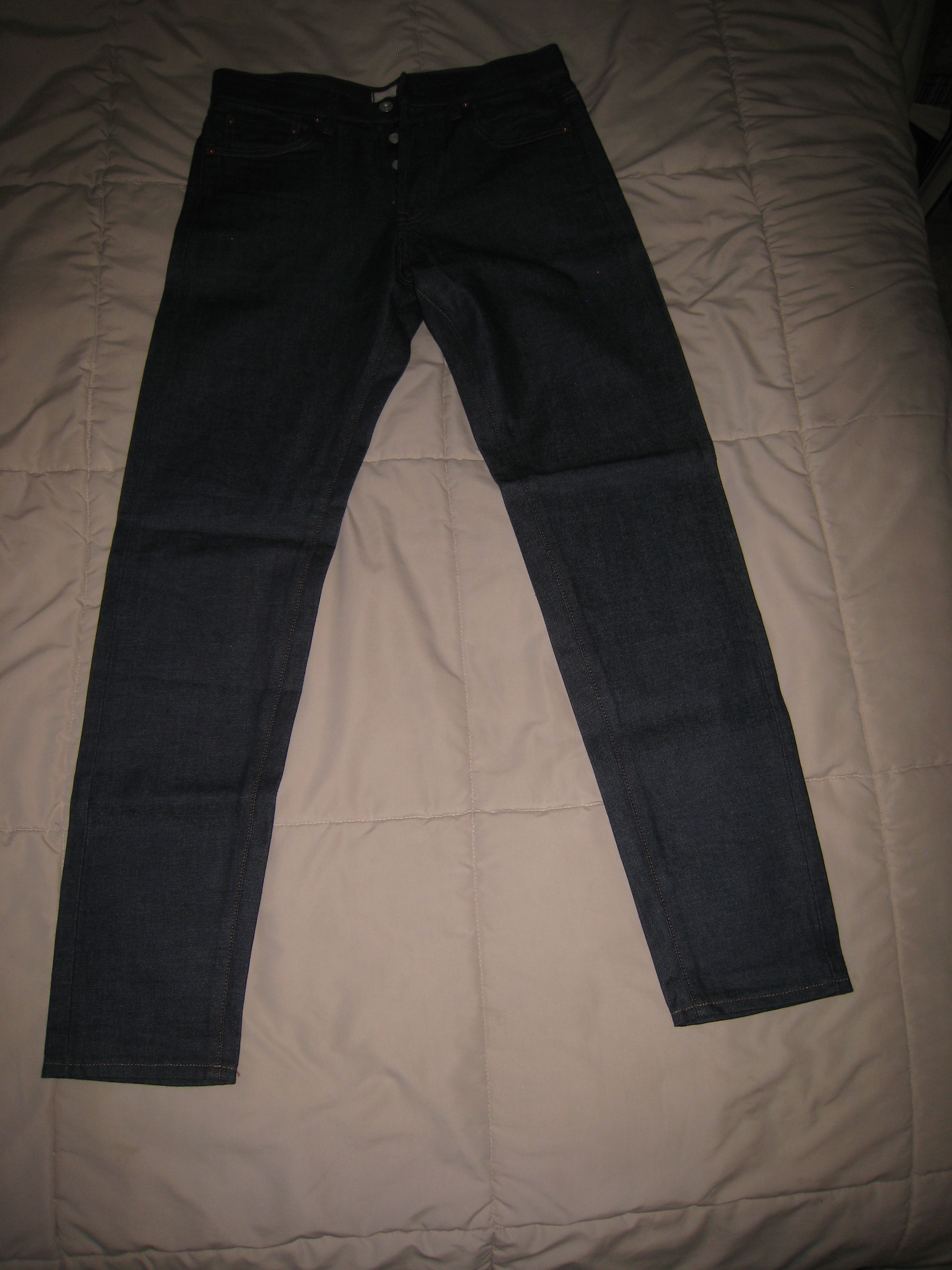 ee6a9129 Uniqlo Loose Tapered Raw Denim Nwot | Grailed