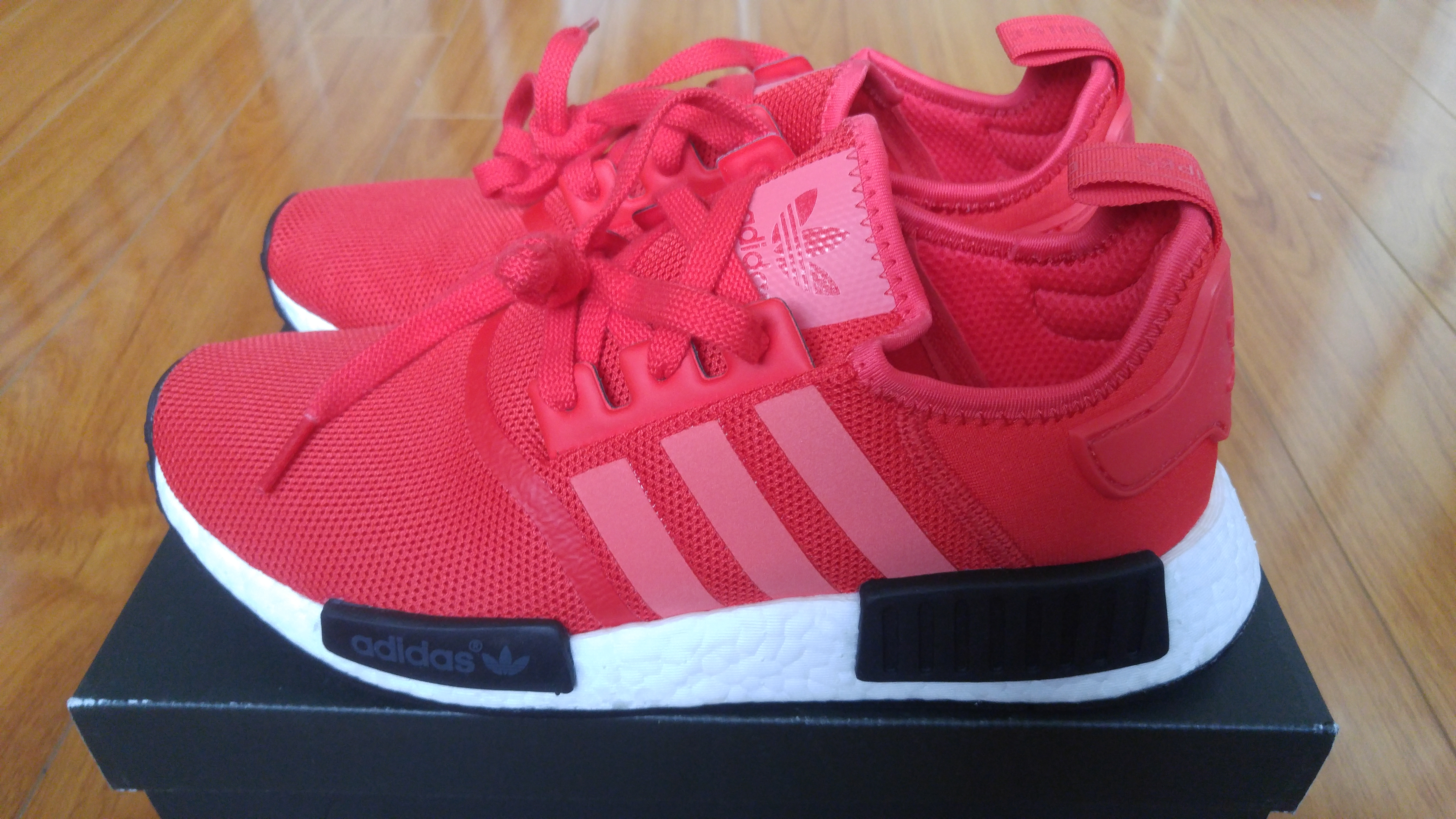 Adidas Adidas NMD R1 Red (3M) Size 9 Low Top Sneakers for